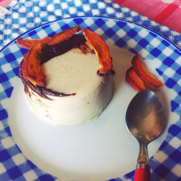 budino-anacardi-e-vaniglia-con-ciocco-e-albicocca-essicc